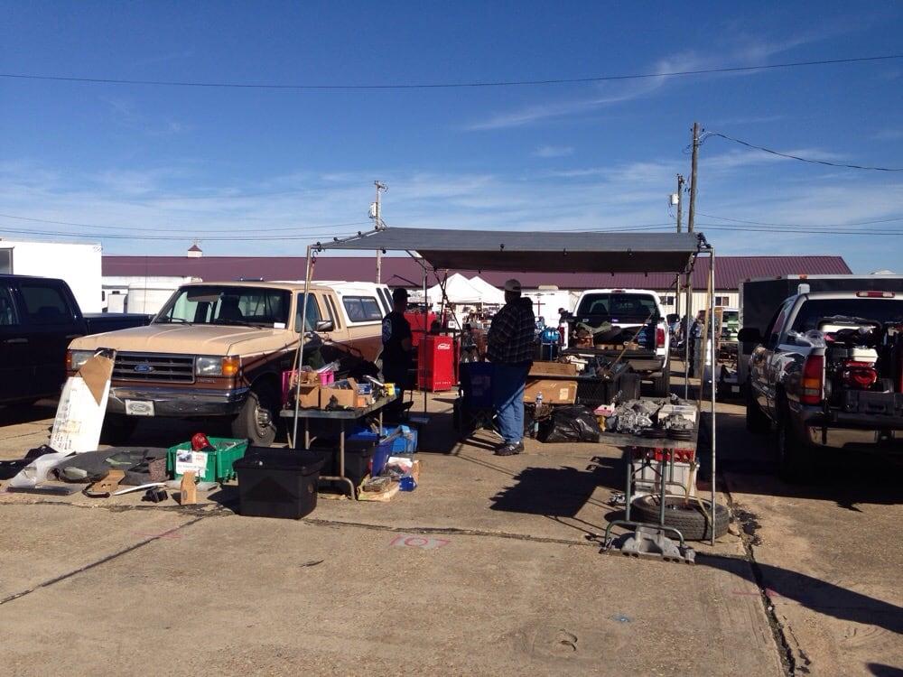 Moultrie Automotive Swap Meet: North Vandenberg Dr, Moultrie, GA