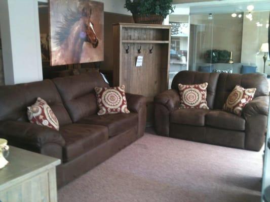 Furniture World 217 S Broadway St Aberdeen, WA Office Supplies   MapQuest