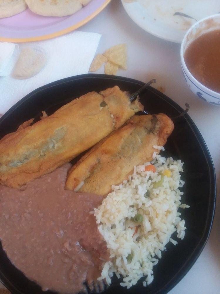 S. Antojitos Salvadoreños: 5721 S Westover Ave, Tucson, AZ