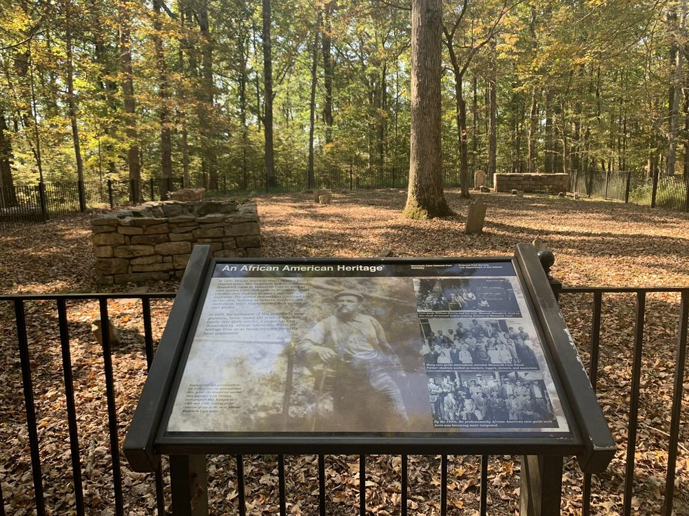 Mammoth Cave Cemetery: 3162 Mammoth Cave Rd, Cave City, KY