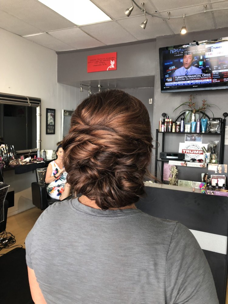 Salon South Beach: 781 Bayway Blvd, Clearwater, FL