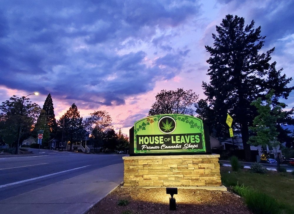 House Of Leaves: 488 N Main St, Ashland, OR
