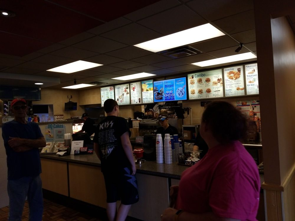 Dairy Queen Grill & Chill: 15 Industrial Pk Rd, Dawson Springs, KY