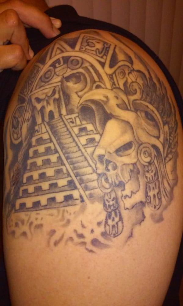 California tattoo 37 photos 59 reviews tattoo 6700 for Tattoo convention los angeles