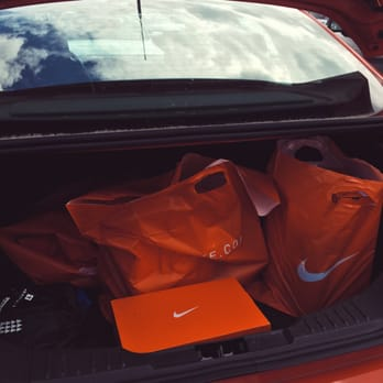 Nike Employee - 256 Photos & 272 Reviews - Sports Wear - 3485 SW ...