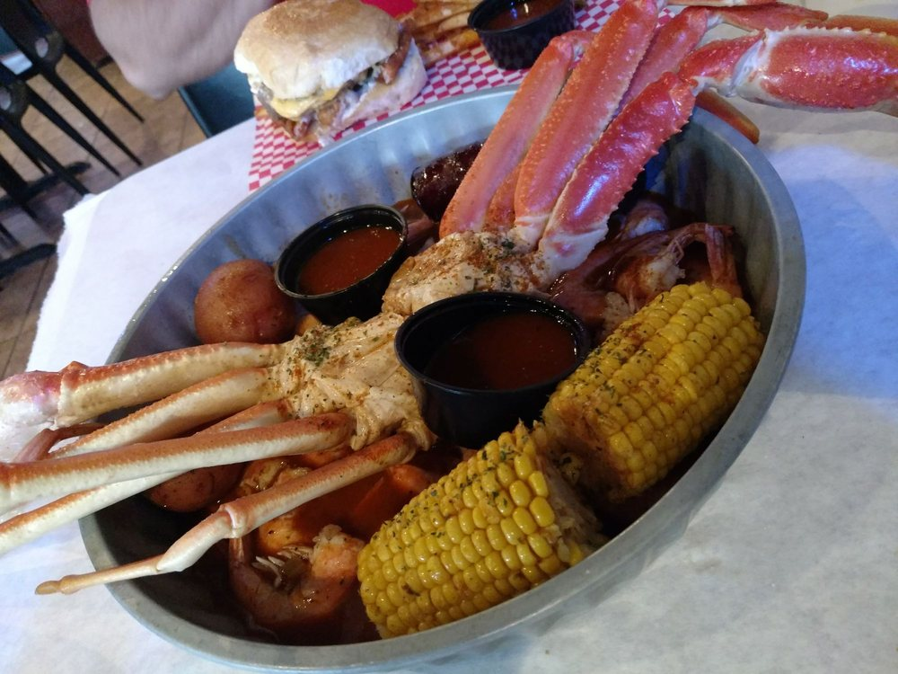 Crawfish Joint and Sports Bar: 2546 Central Palm Dr, Rio Grande City, TX