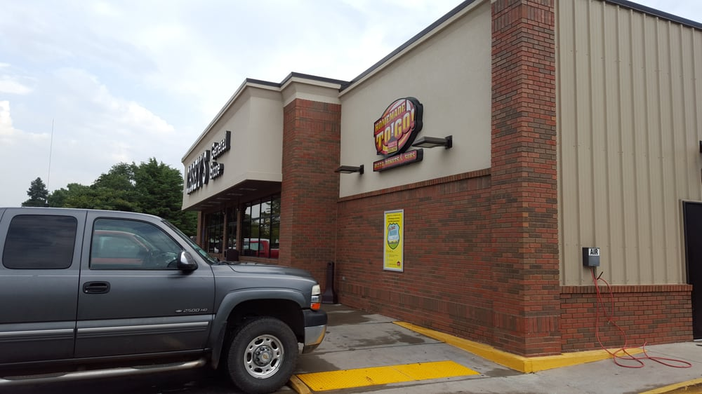 Caseys Carry Out Pizza: 152 N 4th St, Clearwater, KS
