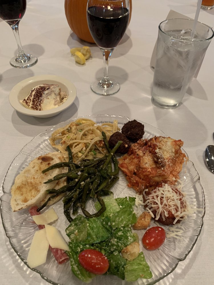Kokopelli Golf Club Restaurant: 1527 Champion Dr, Marion, IL