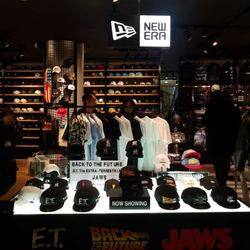 0293345dbfd4b New Era - Sports Wear - 神宮前3丁目20-9, 明治神宮前駅, Shibuya, 東京都, Japan - Phone  Number - Yelp
