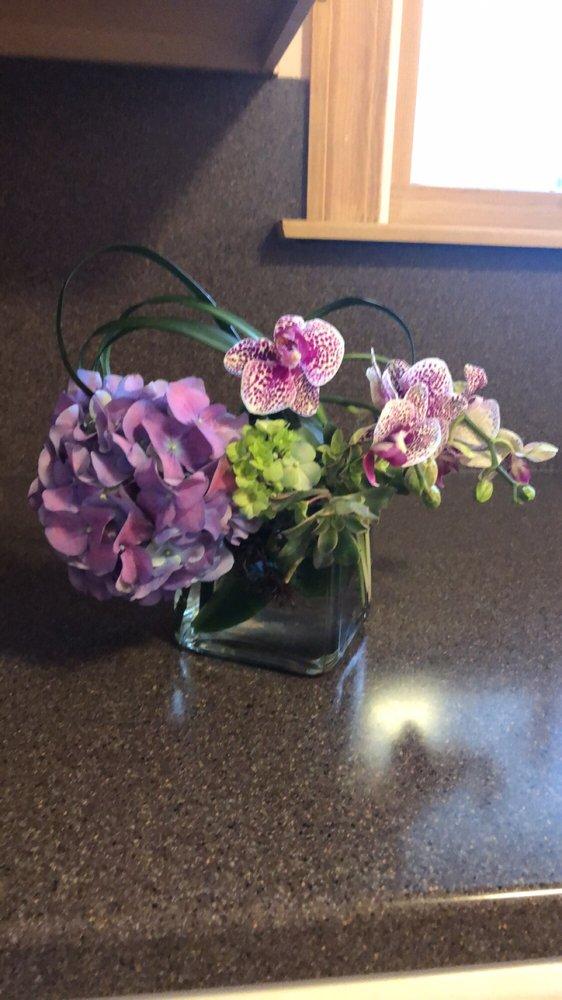 Kablooms Floral Design: 733 S Broadway St, Blackfoot, ID