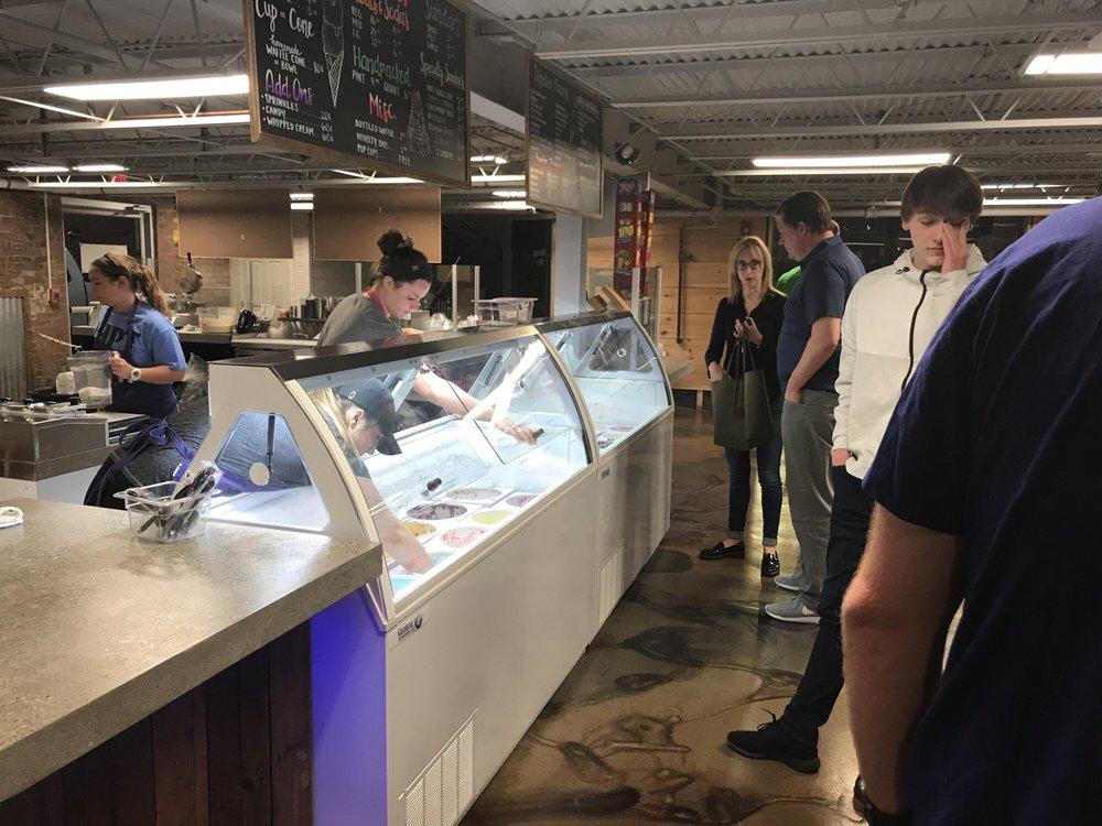 Austin's at The Market: 809 3rd Ave, Huntington, WV