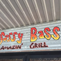Sassy bass amazin grill 107 photos 237 reviews for Fish river grill gulf shores