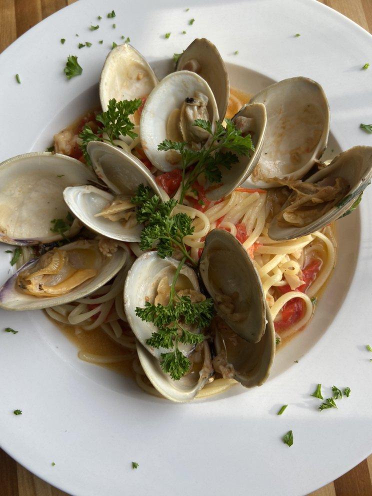 Molto Bene Italian Eatery: 18401 Detroit Ave, Lakewood, OH