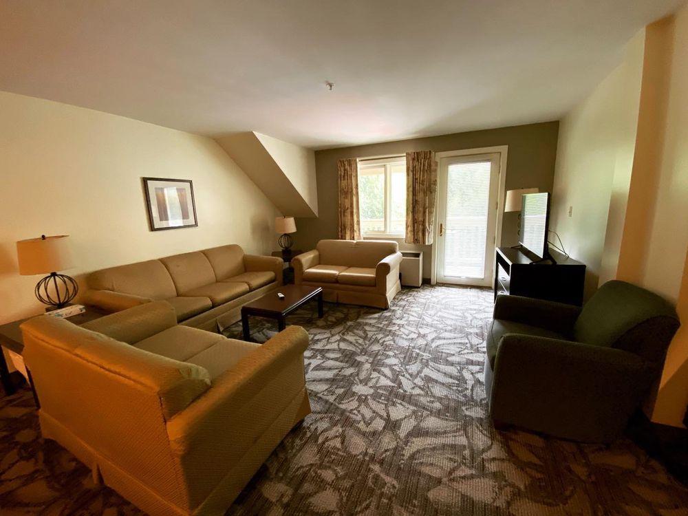 Grand Summit Hotel at Attitash: 104 Grand Summit Rd, Bartlett, NH