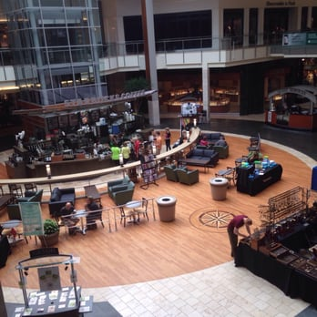 Information & Events The Mall at Robinson is in Pennsylvania, city Pittsburgh. Mall is situated on adress Robinson Centre Drive, Pittsburgh, Pennsylvania 3/5(7).