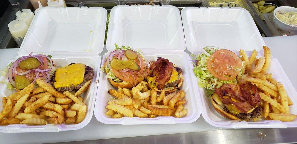 Big Tasty's: 309 SW Park St, Okeechobee, FL