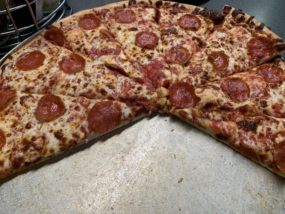 Captain Tony's Pizza & Pasta Emporium: 2217 N Park Dr, Winslow, AZ