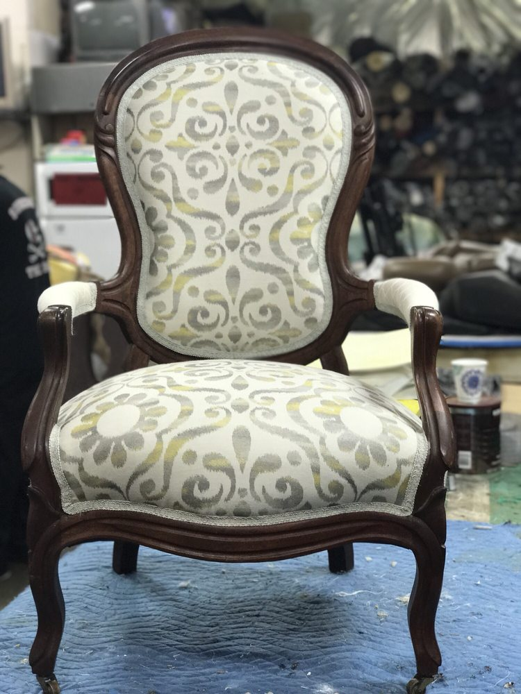 Lugo's Upholstery: 5735 B St, Anchorage, AK