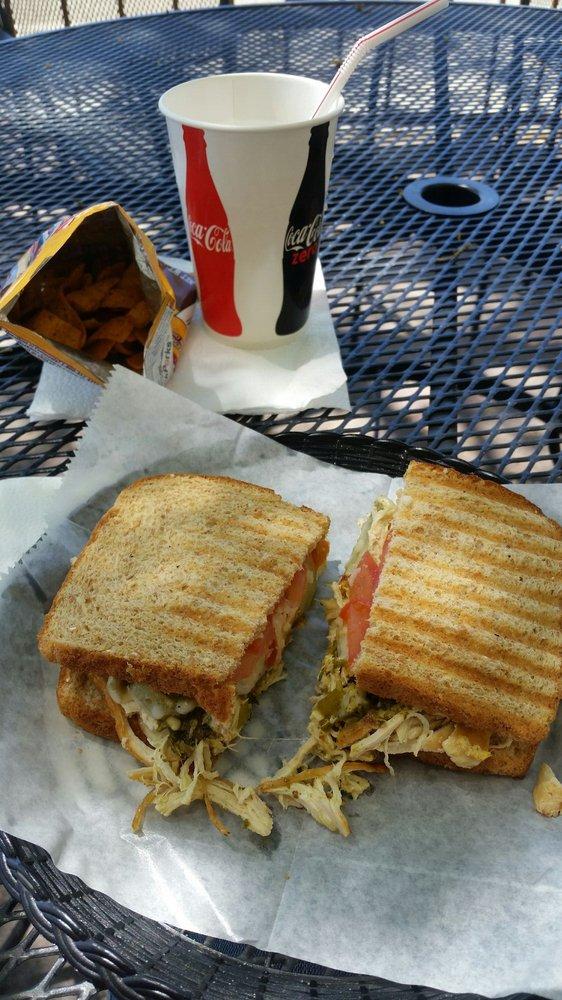 Daniel's Cafe: 800 Trinity Dr, Los Alamos, NM
