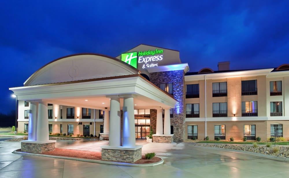 Holiday Inn Express & Suites Saint Robert - Leonard Wood: 605 Hwy Z, Saint Robert, MO