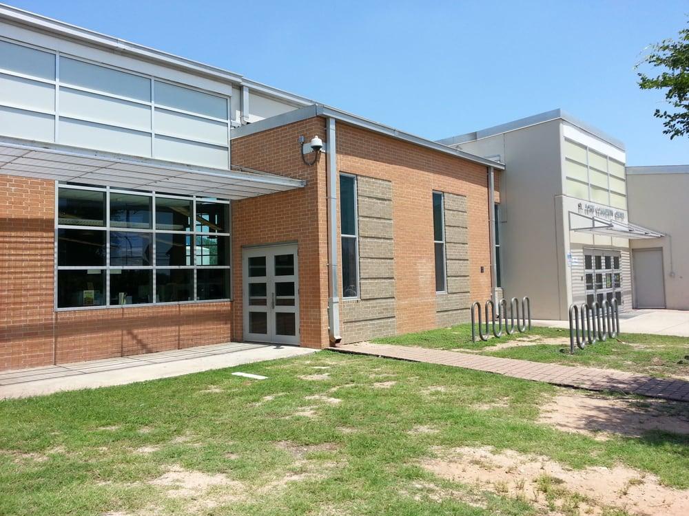 Austin Public Library - St John Branch