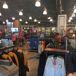 eef869369 The North Face Outlet - Sports Wear - 5050 Factory Shops Blvd ...