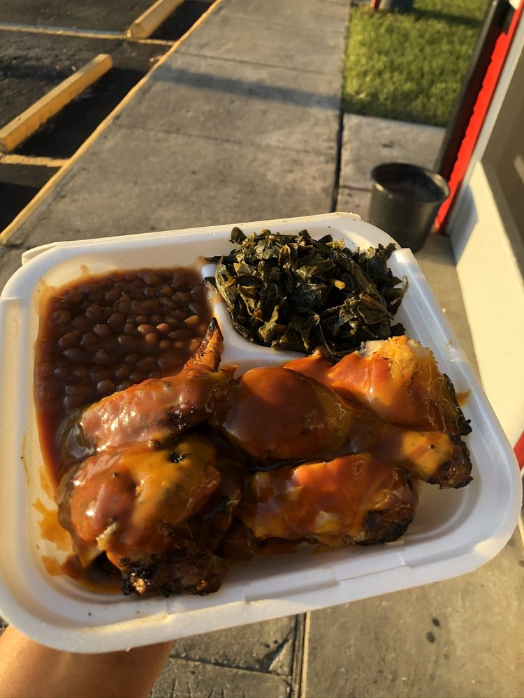 Big Daddy's Barbeque: 1380 1st St N, Winter Haven, FL