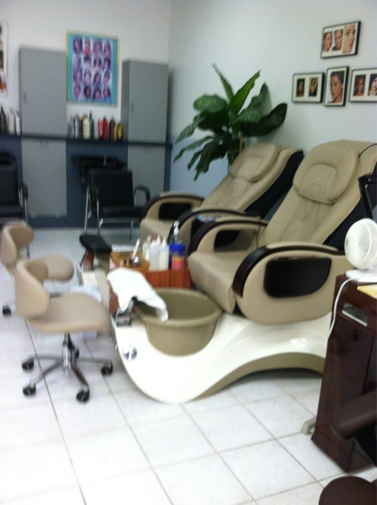 Photos for ly 39 s cutting edge hair salon yelp for Edge hair salon