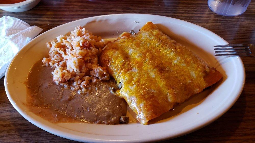 Garcia's Restaurant: 800 E Oklahoma Ave, Ulysses, KS