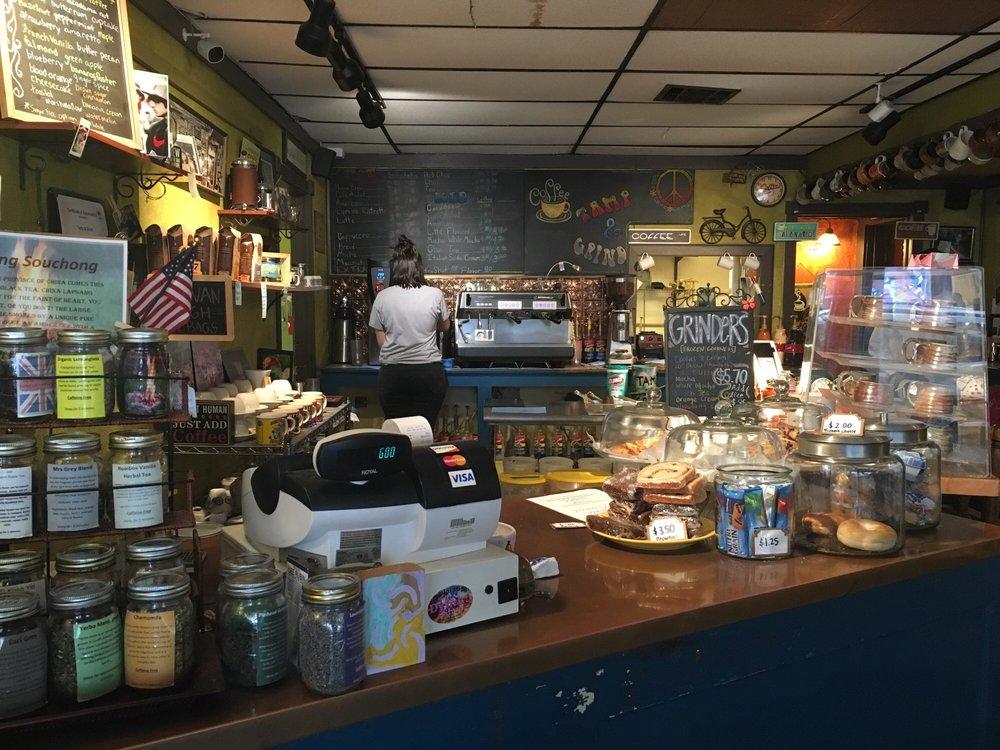 Tamp & Grind Coffee Shop: 828 4th St, Alexandria, LA