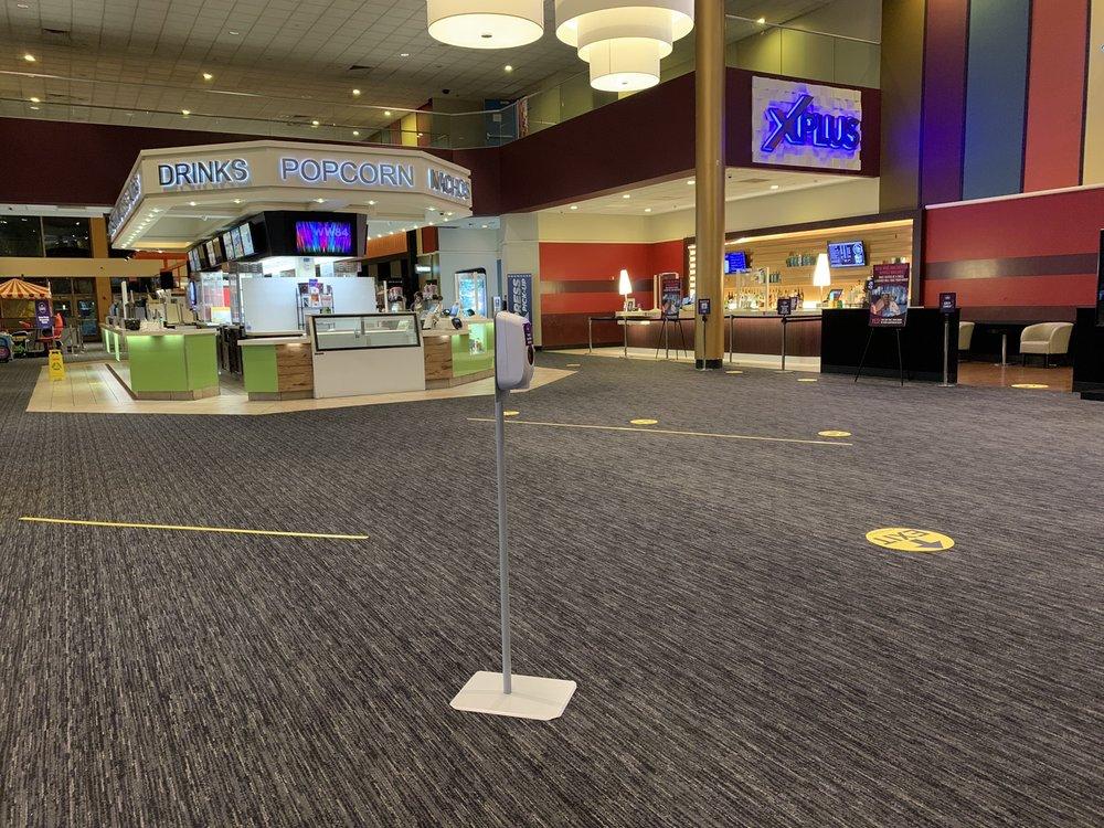 Social Spots from Showcase Cinema de Lux Lowell