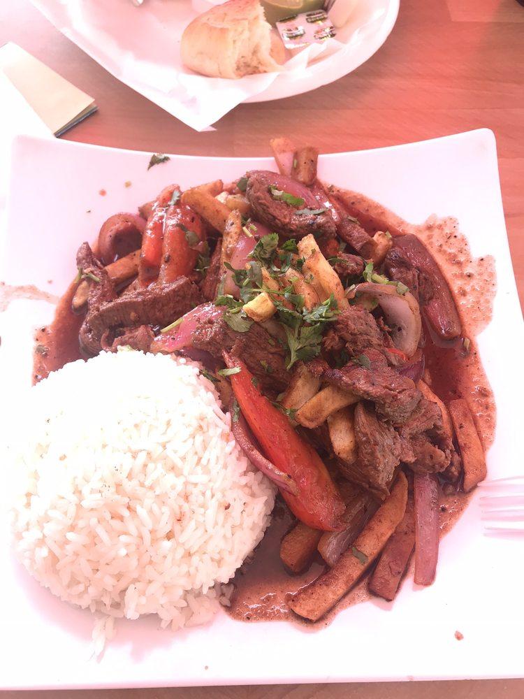 El Salto Del Fraile Peruvian Restaurant: 7639 Firestone Blvd, Downey, CA