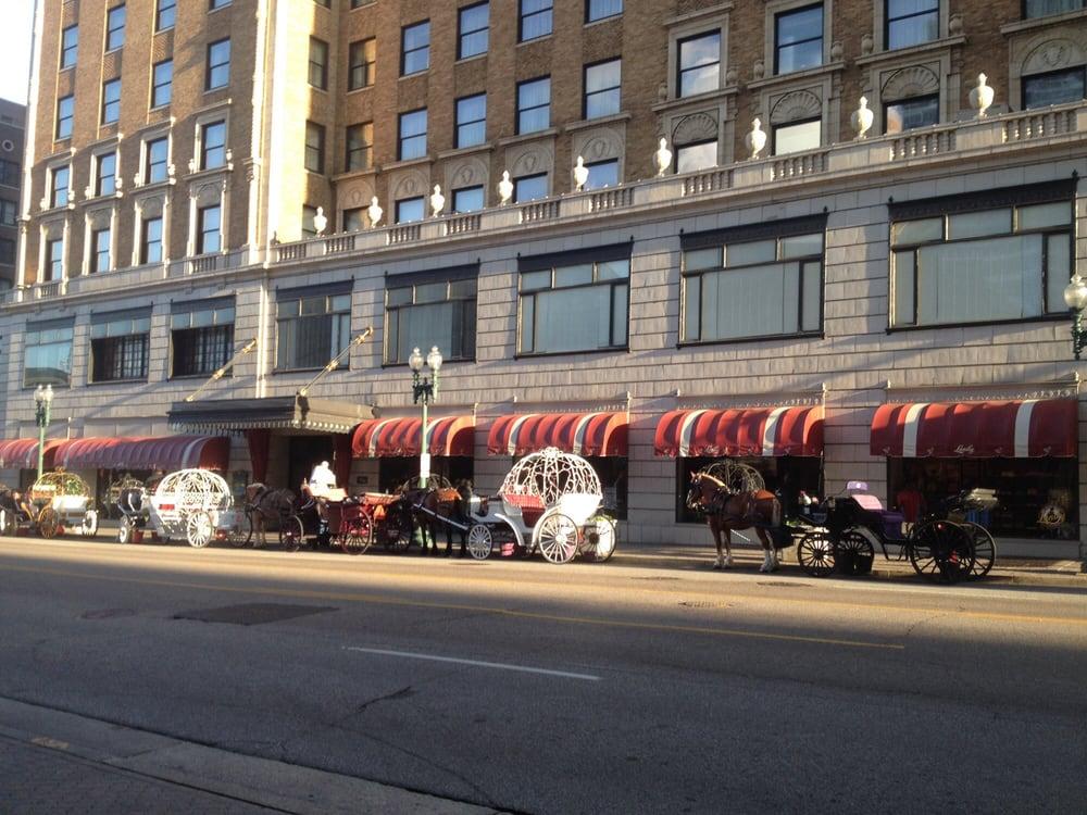 holiday inn memphis downtown 17 photos 34 reviews. Black Bedroom Furniture Sets. Home Design Ideas