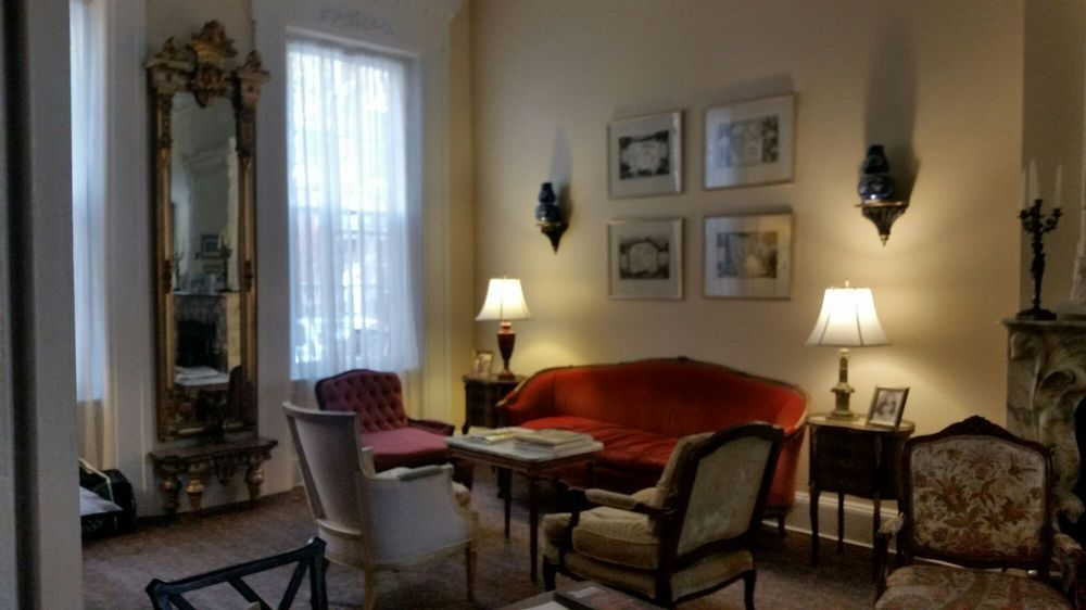 La Reserve Center City Bed and Breakfast