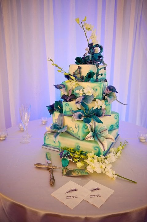 Bee Dazzled Cakes