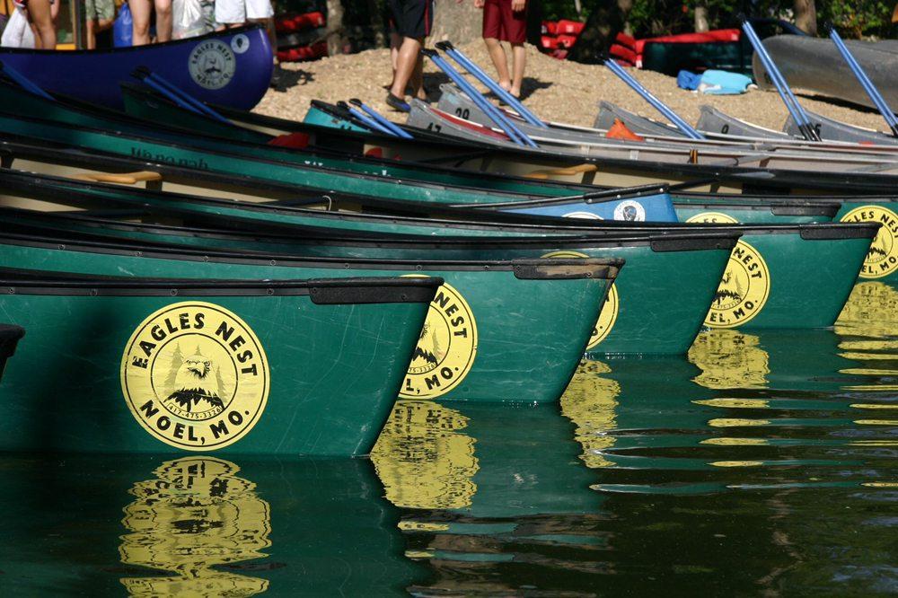 Eagles Nest Camp & Canoe: 53 Eagles Nest Ln, Noel, MO
