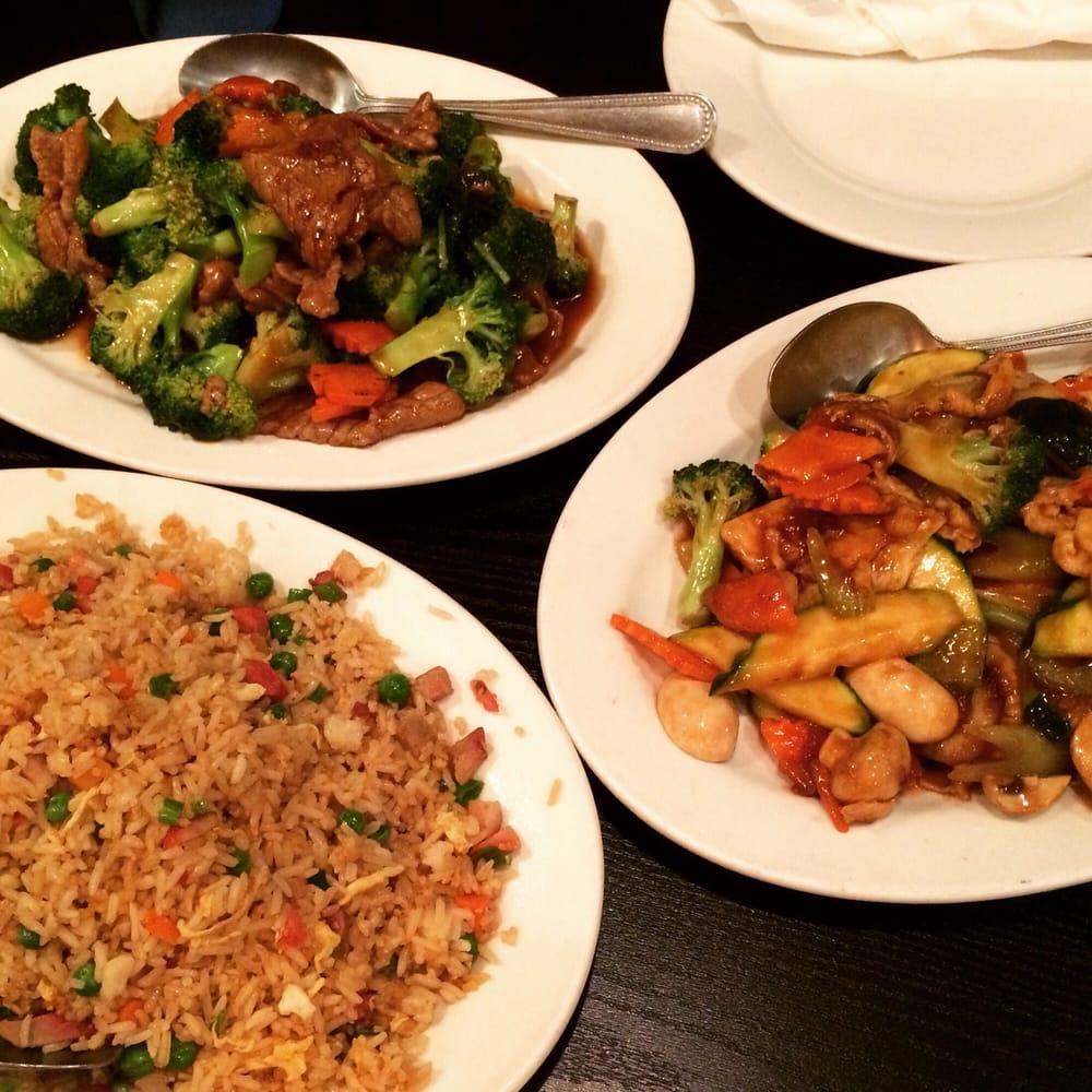 Golden Dragon Chinese Restaurant: 2800 Broadway, Sacramento, CA