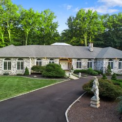 Fabulous The Sally Bowman Group Berkshire Hathaway 21 Photos Download Free Architecture Designs Grimeyleaguecom