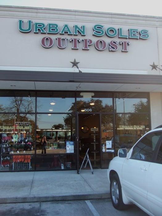 Urban Soles Outpost: 506 W 19th St, Houston, TX