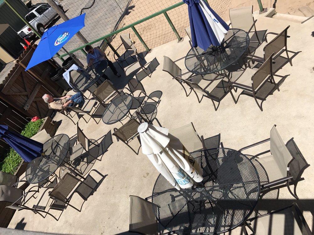Barrett's Barleycorn Pub & Grill: 4322 Leavenworth St, Omaha, NE