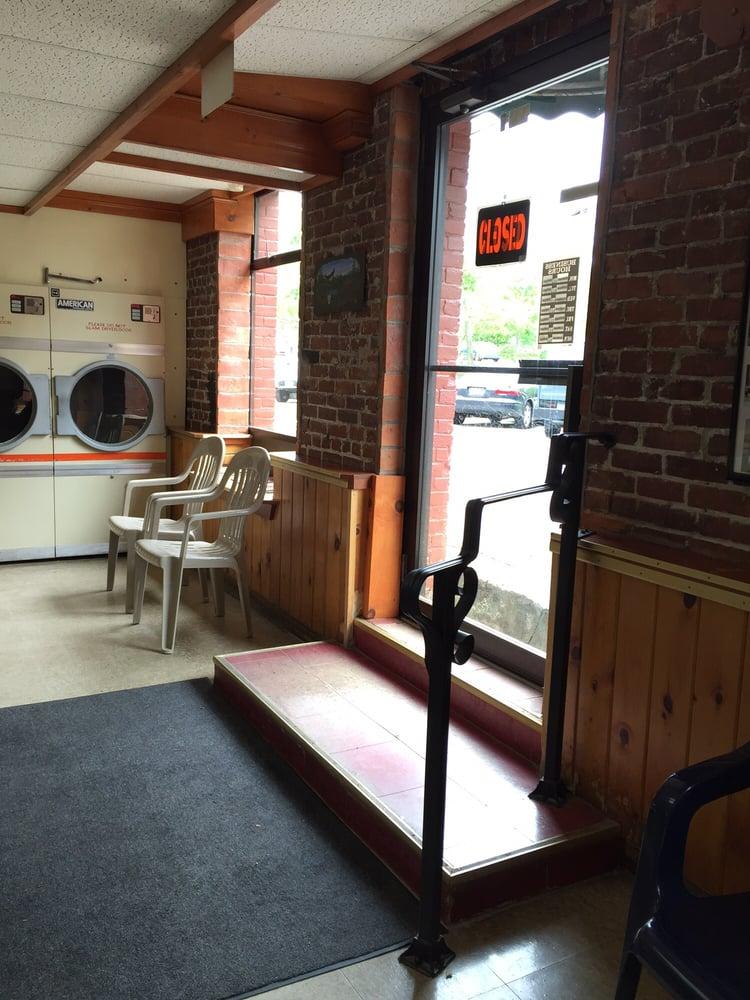 York Village Laundromat: 242 York St, York, ME