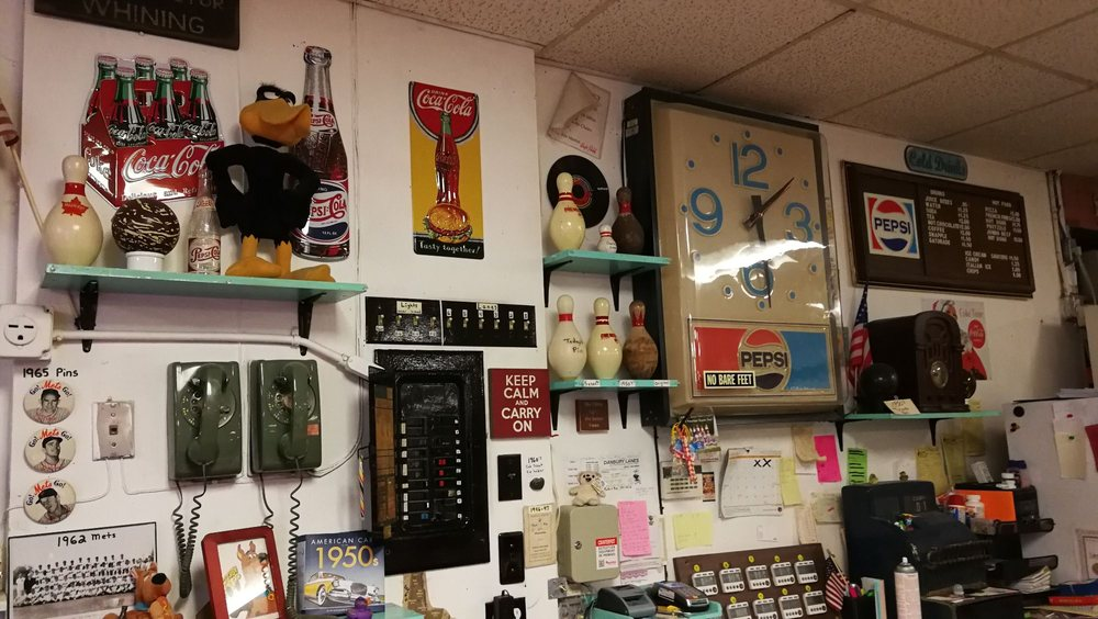 Danbury Duck Pin Lanes: 7 E Hayestown Rd, Danbury, CT