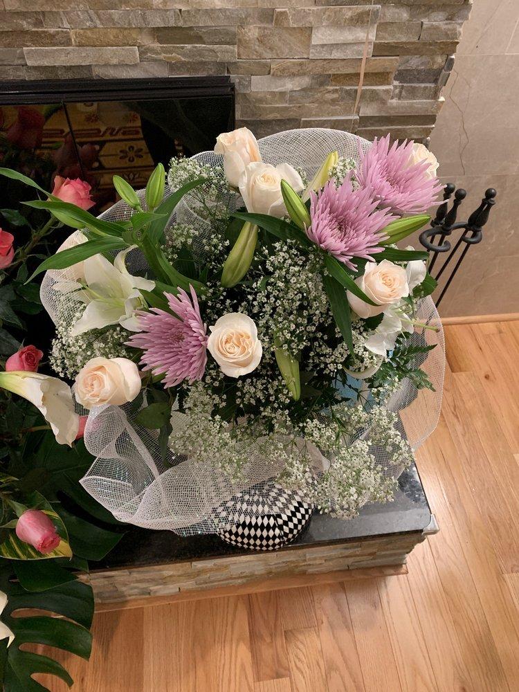 Always Flowers: 110 Buck Rd, Holland, PA