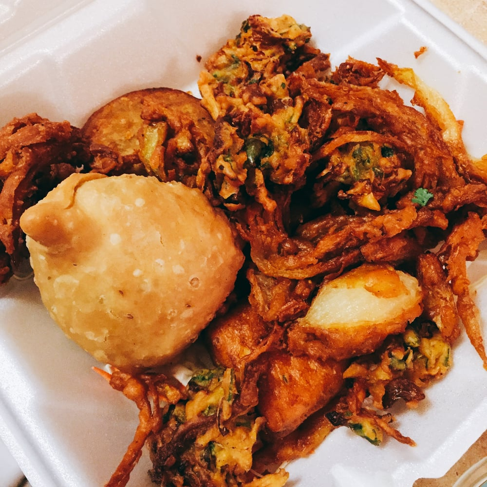 Himalayan Kitchen Salt Lake City: Himalayan Vegetable Platter (samosa, Onion Bhaji