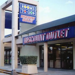 Rooms to go outlet furniture store hialeah furniture for Furniture stores in the states