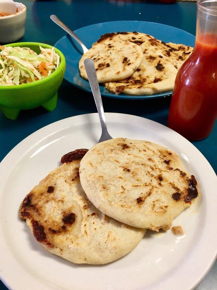 Restaurant Y Pupuseria Salvadorena: 1702 Vinton St, Omaha, NE