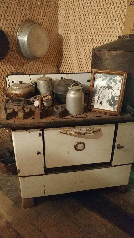 Loretta Lynn's Homeplace Butcher Holler: Millers Creek Rd, Van Lear, KY
