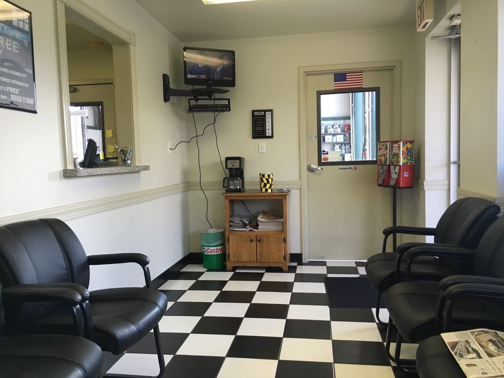 Steve's Pit Stop Lube: 550 W Centerton Blvd, Centerton, AR
