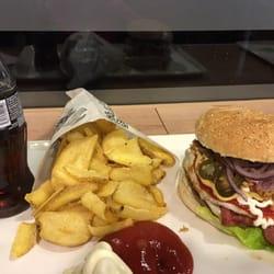Burger In Stuttgart daily burger 12 photos 13 reviews burgers robert koch str 2