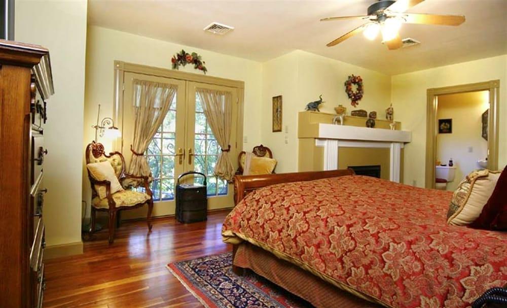 gold bedroom yelp. Black Bedroom Furniture Sets. Home Design Ideas